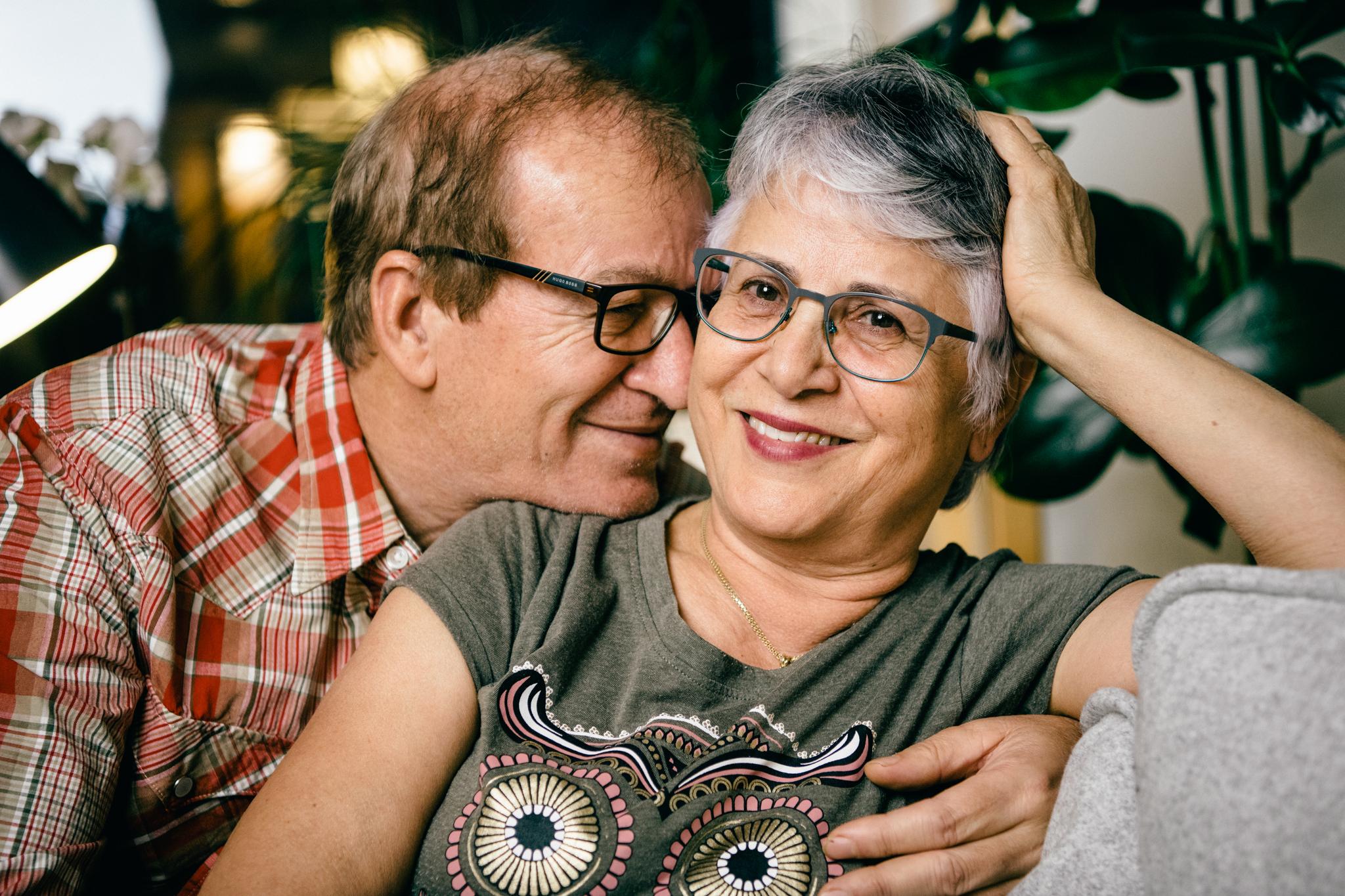 Enda kvinna och ung älskare thail