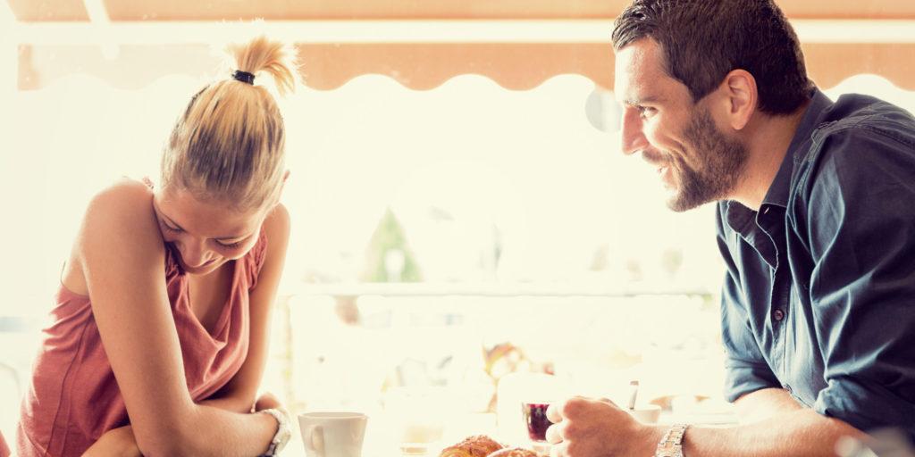Hur kille flirta med en dejtingsidan